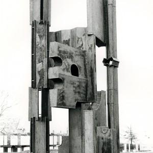 Ivanhoë Fortier, Sans titre, 1965. Acier. 420 cm. Photo : Claudette Desjardins, Musée d'art contemporain de Montréal.