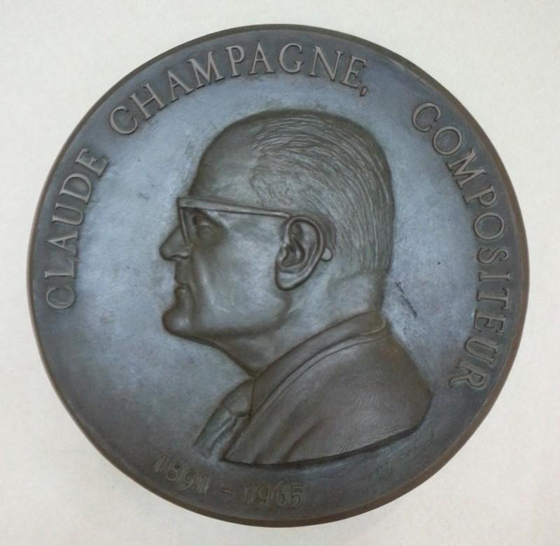 Delvica Allard,    Claude Champagne. Circa 1965. Bronze. 45,8 x 45,8 cm. Photo : Guillaume Sanfaçon
