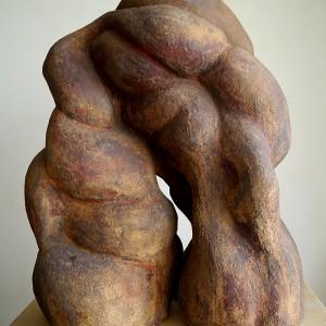 Anne-Marie Fisette, Fusion, 1986. Grès, oxyde de fer. 64 x 51 x 35 cm. Photo avec l'aimable autorisation de l'artiste.