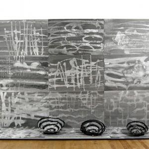Diane T Tremblay, Étang, 2013. Encre de chine noire sur papier. 230 x 168 x 56 cm. Photo avec l'aimable autorisation de l'artiste.