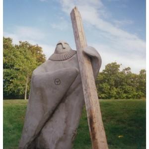 Alain Dionne,   Le Bâtisseur. 2001. Acier et béton. 200 cm x 100 cm x 300 cm.  Photo avec l'aimable autorisation de l'artiste.
