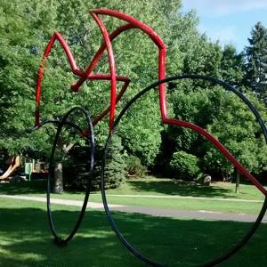 Germain Bergeron, Le cycliste, 1990. Acier. Parc West-Vancouver, Île-des-Soeurs. Photo: Alexandre Nunes.
