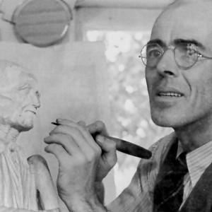 Médard Bourgault (photo prise dans le livre d'Angéline Saint-Pierre, Médard Bourgault : sculpteur, Québec: Éditions Garneau, 1972, p. 85). Source : Répertoire des artistes canadiens (arts visuels) www.lareau-law.ca