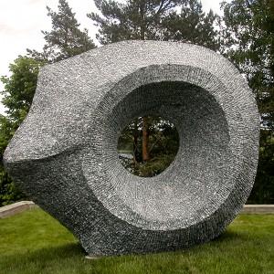 D. A. Di Guglielmo, Sky Gazing, 2005. Granit. 230 x 270 x 110 cm. Vilnoja Sculpture Park, Vilnius, Lithuania. Photo avec l'aimable autorisation de l'artiste.