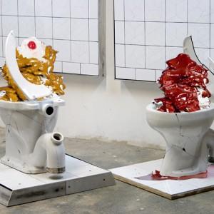 John Francis, Urinal, 2010. Ceramic, toilettes. 120 x 120 cm. Photo avec l'aimable autorisation de l'artiste.