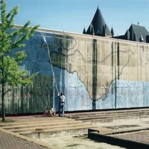 Rose-Marie E. Goulet,  Nos frontières , 2005. Interventions au Square Viger (Montréal) et ailleurs dans la ville. Photos : Jean- Pierre Caissie.