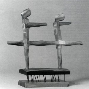 Anne Kahane,  Runners , 1952. Bois. 38 x 44 x 9 cm. Photo : Patrick Altman, avec l'aimable autorisation du Musée du Québec.
