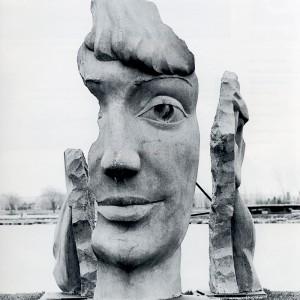 Jules Lasalle, Monica, 1985. Béton moulé. 365 x 182 x 182 cm. Photo: C.A. Barbier, Musée de Lachine.