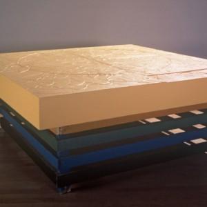 Lauréat Marois, Soleil, 2001. Bois, sable et acrylique. 152 cm x 152 cm x 60 cm. Collection: Musée d'Art Contemporain de Baie-Saint-Paul. Photo: Marc Archambault.