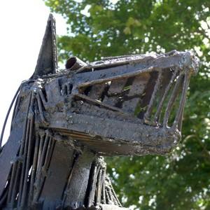 Pierre Dupras, Le loup de la finance (détail),  fer soudé, 7 pieds env. Photo avec l'aimable autorisation de l'artiste.