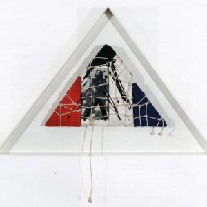 Serge Lemoyne, Hommage à Armand Vaillancourt, 1987. Assemblage. 42 x 64 cm. Photo : Guy L'Heureux.