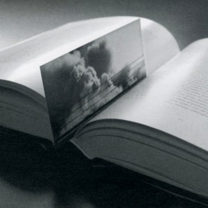 Devorea Neumark, Marked Like Some Pages in a Book, 1997-2003. Papier. 16 x 6,3 cm. Photo : Marie-Orphée Duval.