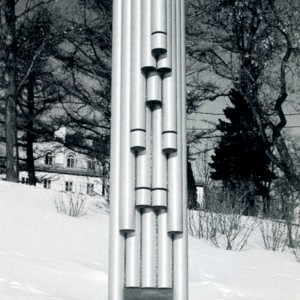 Richard Normandin, Sonic 15, 1992. Tubes d'aluminium. 525 x 150 cm. Photo avec l'aimable autorisation de l'artiste.