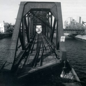 Roberto Pellegrinuzzi, Tête de pont , 2000. Photo : Michel Dubreuil.