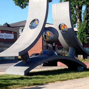 Karol Proulx, Élévation vers une conscience universelle, 1977.  Centre-ville d'Arvida, Saguenay.