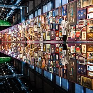 Richard Purdy, Unrestored, 2010-2011. Tableaux de peintures originales à l'huile encadrés. 1242 x 4405 cm. Bâtiment #5b, Espace  Shawinigan. Photo avec l'aimable autorisation de l'artiste.