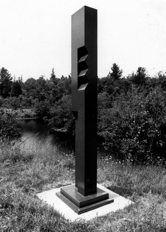 David Sorensen, Sky Series #1, 1989. Acier soudé. 477 cm (H). Photo avec l'aimable autorisation de Bella Sorensen.