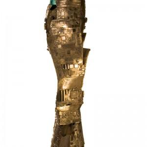 Hugue Soucy, La cité, 2011. Bronze, marbre travertin et verre. 146 cm (H). Photo : Christian Tremblay.